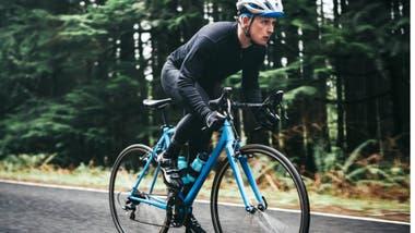 Se realizaron pruebas a 125 ciclistas amateur de 55 a 79 años y se los comparó con otros adultos sanos de un amplio rango de edad que no hacen ejercicio