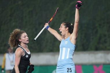 La celebración de Silvina D´Elía, autora de dos goles en la final ante Canadá. Las Leonas ganaron la medalla dorada en los Juegos Panamericanos.