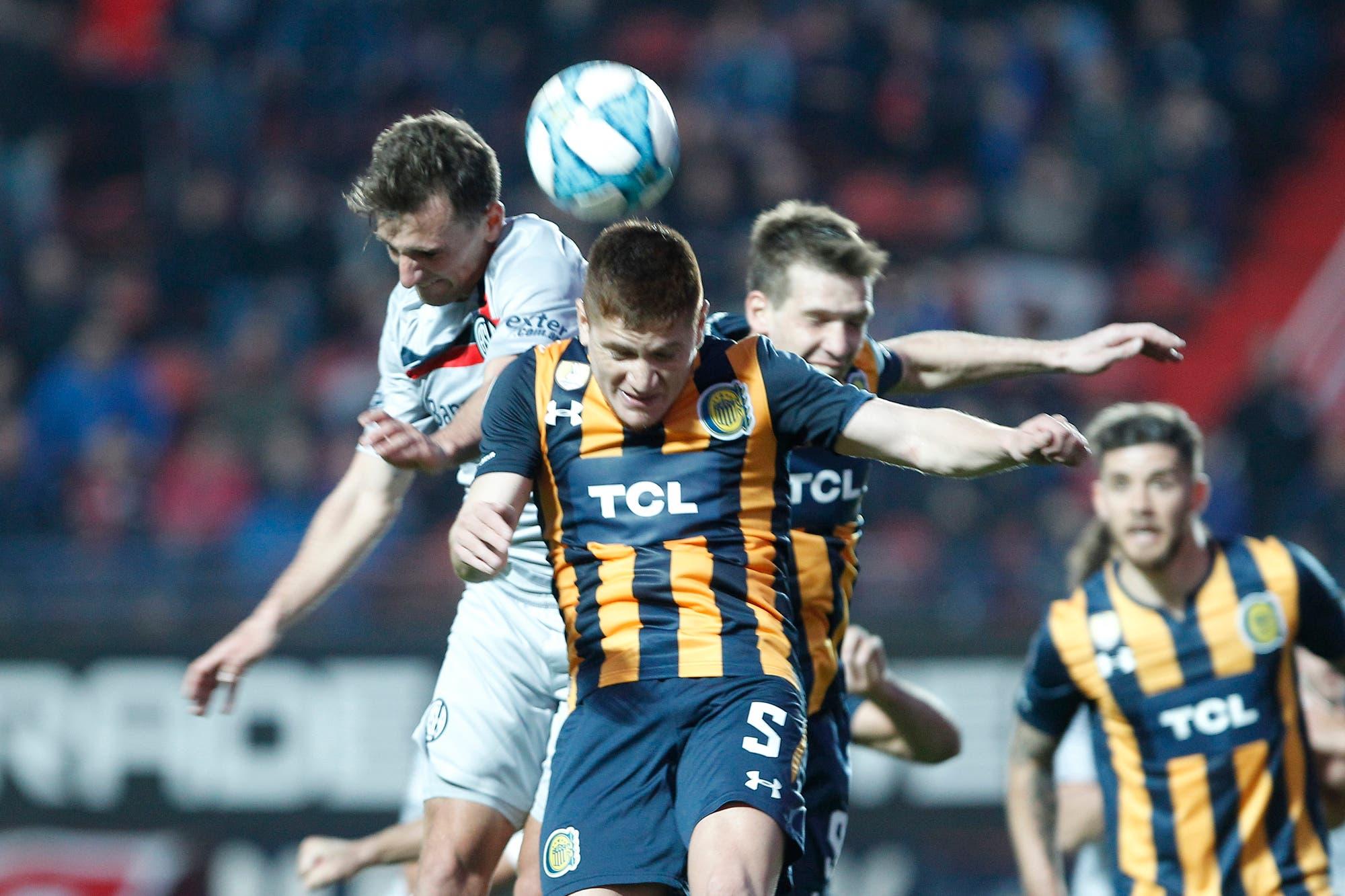 Superliga: San Lorenzo jugó mejor, tuvo un penal y dos tiros en los palos, pero empató 2 a 2 con Central