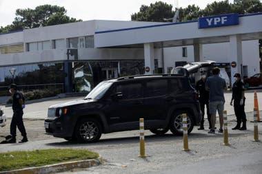 La policía controla los vehículos que salen de Valeria del Mar