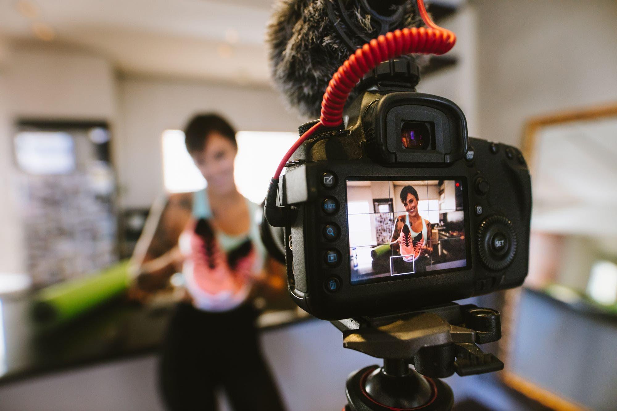 Influencers: ¿cómo se reinventan para generar contenidos durante la cuarentena?