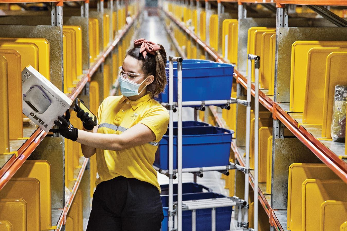 El Centro de Almacenamiento y Distribución recibe mercadería de unas 5000 pymes