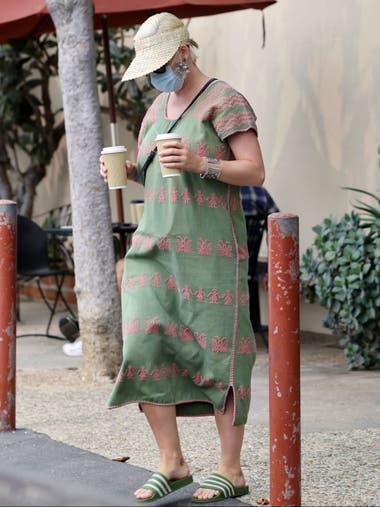 Katy Perry, en su primera salida tras haber sido mamá de la pequeña Daisy Dove