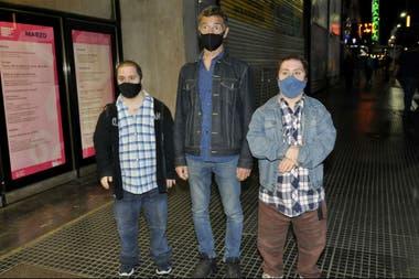 Gustavo Garzón y sus hijos también compartieron salida al teatro