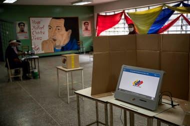 Venezuela: centros semivacíos en las elecciones parlamentarias chavistas