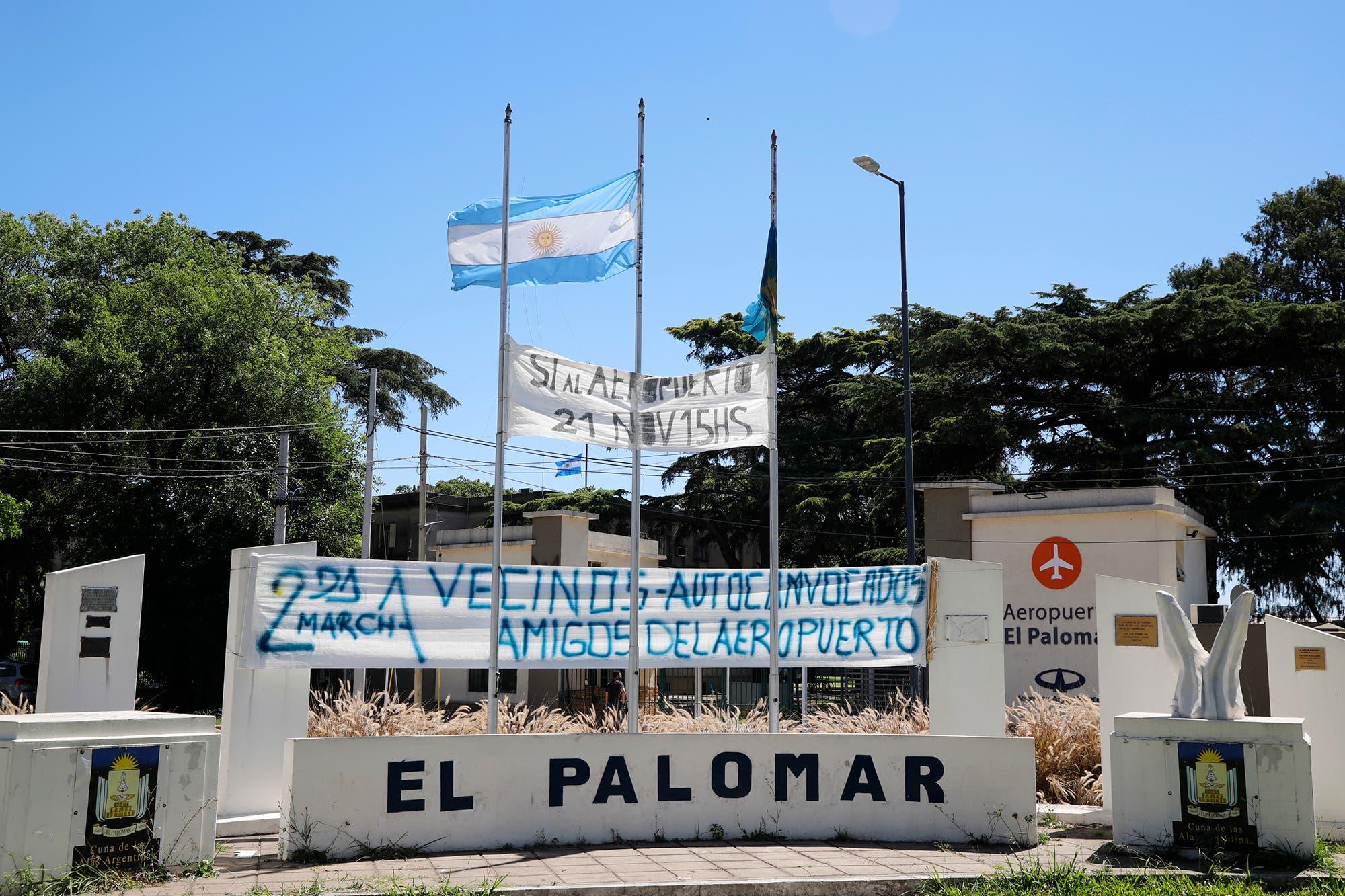 El Palomar. Empleados despedidos y vecinos preocupados por el futuro del barrio