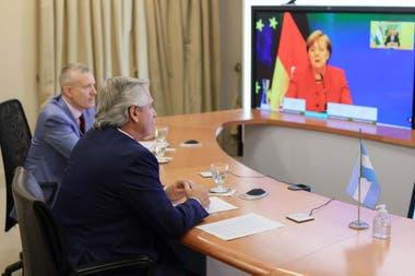Alberto Fernández habló por videoconferencia con Ángela Merkel y le pidió  apoyo en la negociación con el FMI - LA NACION
