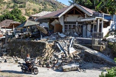 El pánico al tsunami data del terremoto de 9,1 en Sumatra en diciembre de 2004 y que desencadenó una ola gigante que mató a 230.000 personas