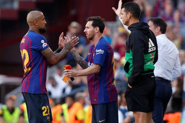 Messi ingresó por Vidal