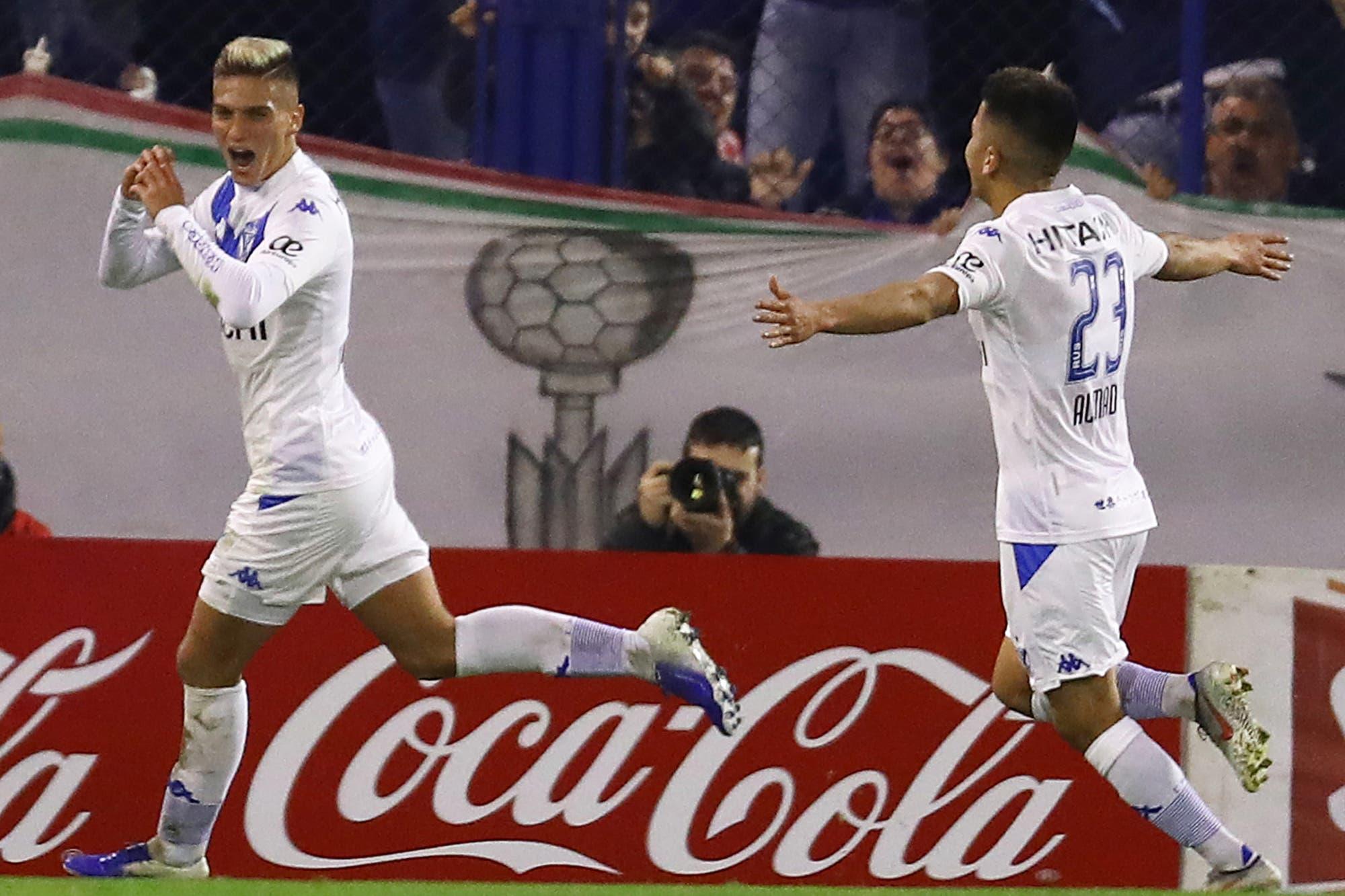 Vélez-Racing, Superliga: con un golazo el equipo de Liniers vence al campeón