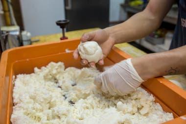De un kilo de harina pan salen aproximadamente veinte arepas