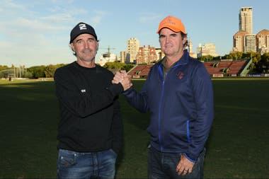 Alberto (h.) y Eduardo Heguy, hermanos, compañeros durante 31 participaciones en el Argentino Abierto y ahora enfrentados como directores técnicos de Ellerstina y Las Monjitas, respectivamente.
