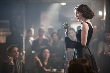 Una captura de The Marvelous Mrs. Maisel, una de las firmes candidatas