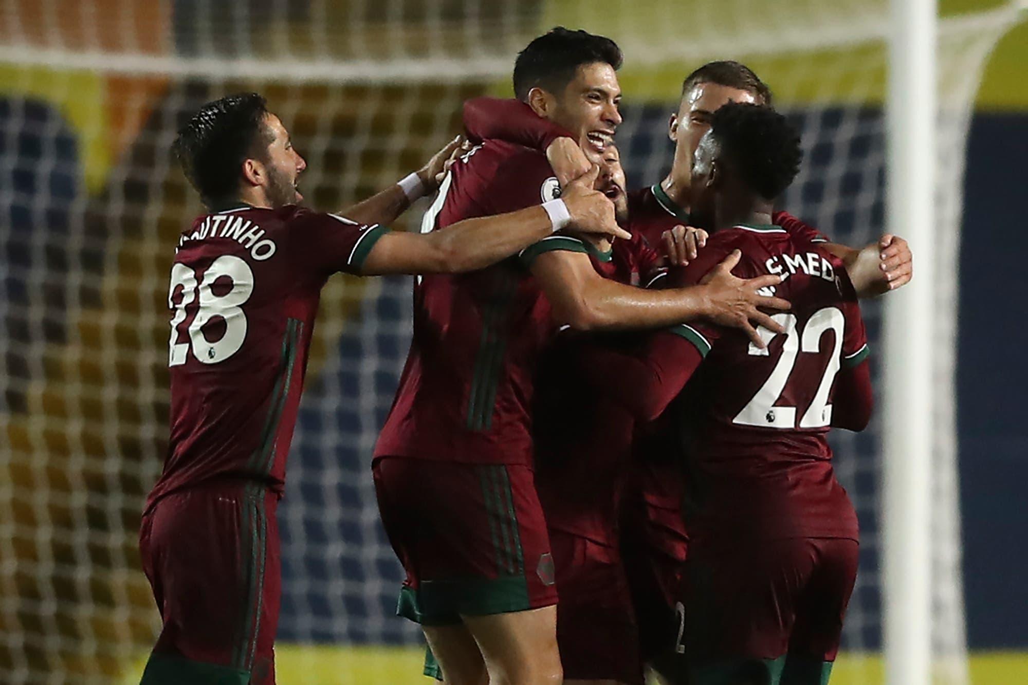 Leeds United-Wolverhampton: el equipo de Marcelo Bielsa cayó en Ellan Road y se aleja de los primeros lugares de la Premier League