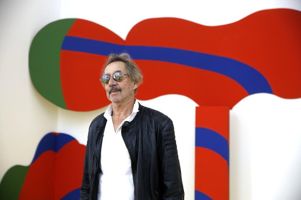 David Lamelas con su instalación El Súper Elástico (1965), que integra la retrospectiva del Malba