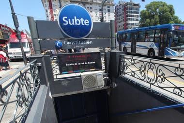 El plan de extender la línea C de subte hasta Barracas apunta a descongestionar el tránsito en la zona de Constitución