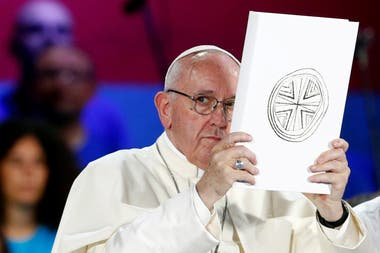 Francisco pidió perdón por el dolor que padecieron las víctimas