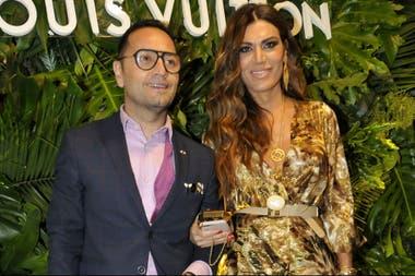 Flor de la V y Fabián Medina Flores disfrutaron de una noche entre amigos