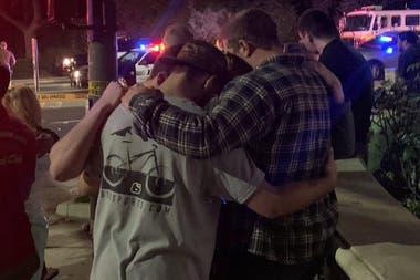 Anoche, en medio de una celebración de universitarios, un hombre abrió fuego entre la multitud