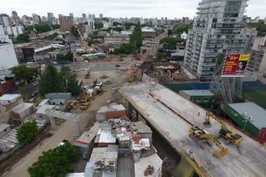 La obra se inici en junio pasado y promete elevar 5 kilmetros el tren que une Retiro con La Paternal