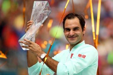 Roger Federer festejó en el Miami Open y sigue la cuenta regresiva