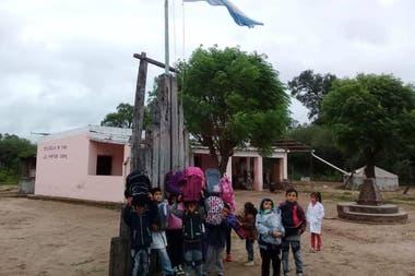 504f31346 Las mochilas que buscan abrigar a los chicos del norte - LA NACION