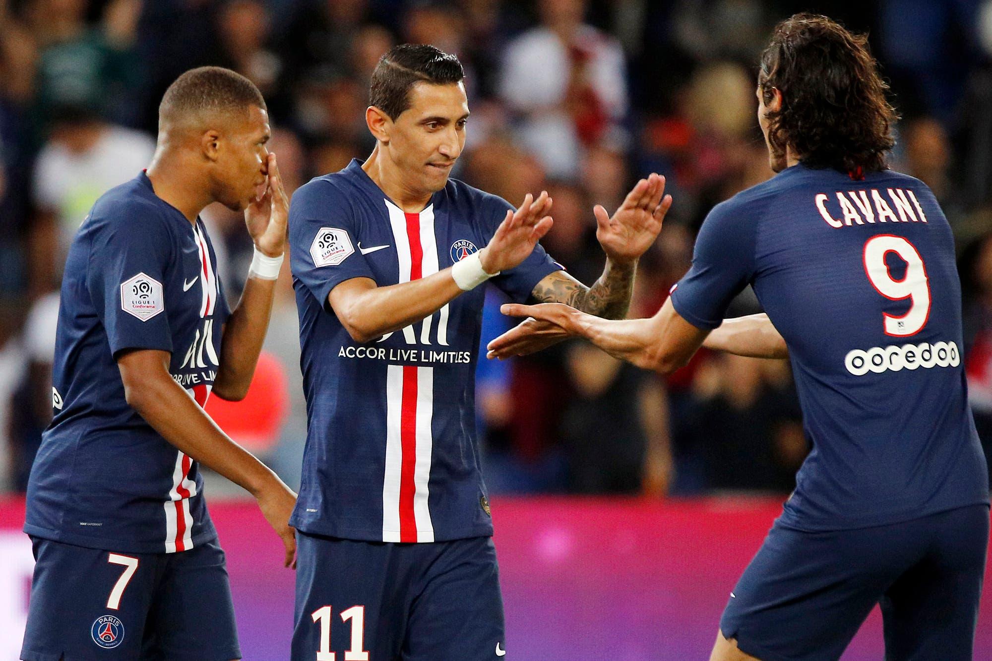 Los hinchas de PSG se hartaron de Neymar y festejaron un gol de Di María