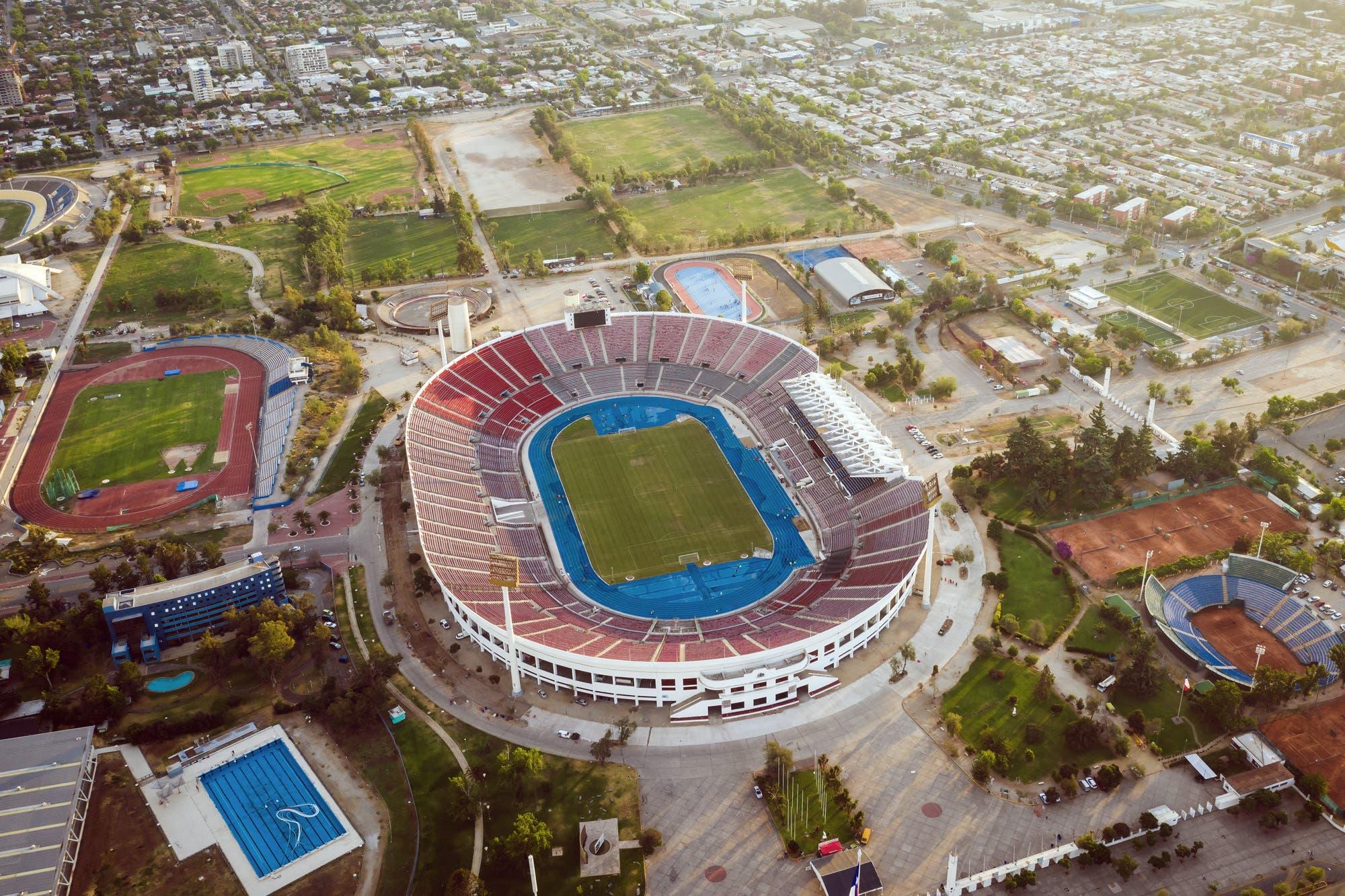Copa Libertadores: ratifican a Santiago como la sede de la final River-Flamengo pese a la crisis en Chile