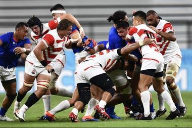 Un maul entre jugadores de Samoa y Japón, la formación móvil que generó varios tries en el Mundial