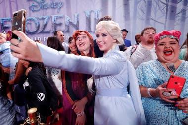 Anna, Elsa y una selfie con los fans