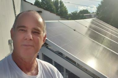 """""""Aprendimos a a interactuar con el clima usando electrodomésticos que permitan su programación en horarios diurnos"""", cuenta Félix Creiman."""