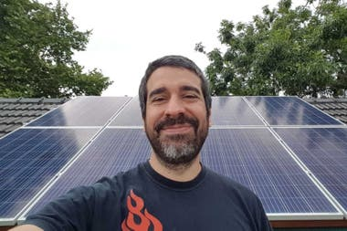 Gastón Bour tiene como objetivo convertirse en un usuario eléctricamente neutral, es decir poder generar la misma energía que consume.