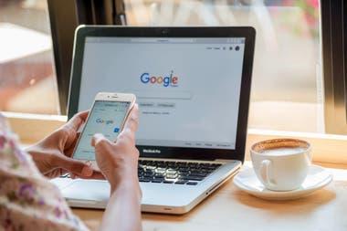 Facebook ya permitía la transferencia de fotos y videos desde la red social al servicio de almacenamiento Google Fotos de forma directa desde este año