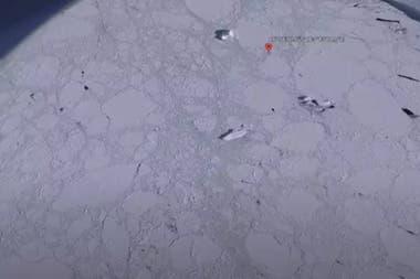 La figura de hielo fue hallada en la costa de la Antártida