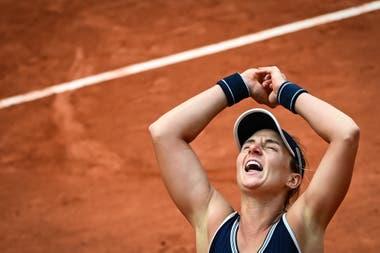 La tenista argentina Nadia Podoroska, de 23 años, emocionó a todos con su mágico Abierto de Francia.