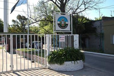 El Centro Naval y el Centro de Graduados del Liceo Naval también fueron intimados a desalojar los terrenos