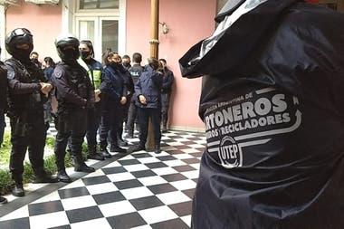 La protesta dentro de la municipalidad de Junín. Diario Democracia