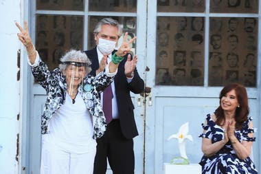 Alberto Fernández y Cristina Kirchner, junto a Ángela Paolín de Boitano