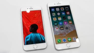 El iPhone 8 y iPhone 8 Plus, dos de los viejos modelos que Apple aún tiene a la venta