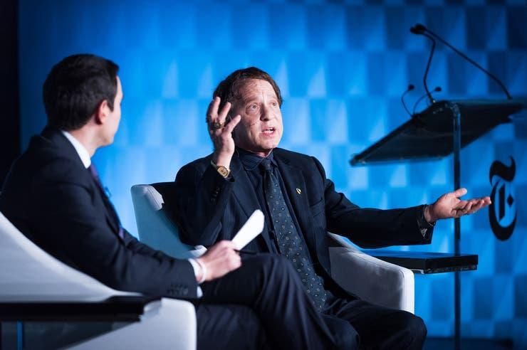 Ray Kurzweil, el futurista director de ingeniería de Google, discute el futuro de la inteligencia humana con Andrew Ross Sorkin, un columnista de The New York Times, en el Global Leaders' Collective