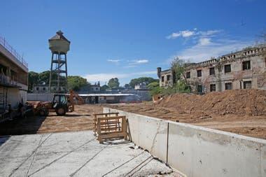 Entre las obras previstas por parte del gobierno porteño está la reapartura de la calle Rondeau y y Gobierno porteño pasaría el Ministerio de Hacienda y la Administración Gubernamental de Ingresos Públicos (AGIP) a donde está la vieja carcel
