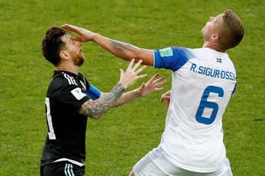 Lionel Messi -Ragnar Sigurdsson