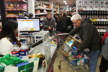 La ley también contempla cambios en los productos que se exhibir en la línea de cajas