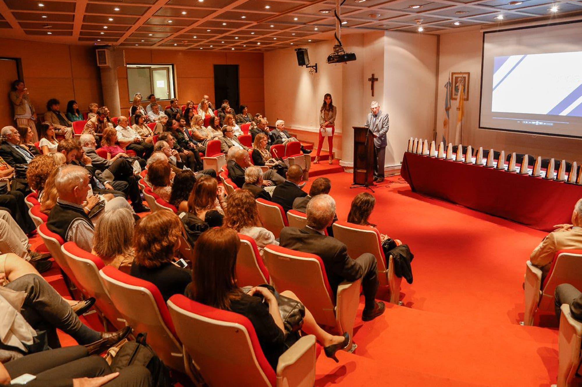 Se entregaron los premios ADEPA y LA NACION se llevó 10 galardones