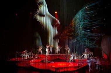 Björk en su última presentación de Cornucopia en The Shed