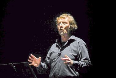 Gabo Ferro, Juano Villafañe y múltiples propuestas escénicas