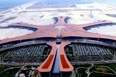 Con forma de estrella de mar, Daxing es el aeropuerto de terminal única más grande del mundo