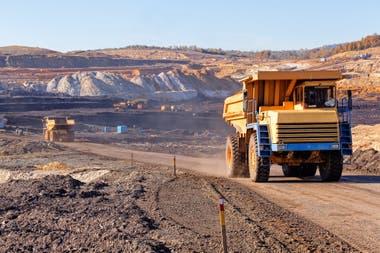 """La minería está """"por pegar el salto"""" en un contexto de necesidad de exportaciones, aseguran los economistas"""