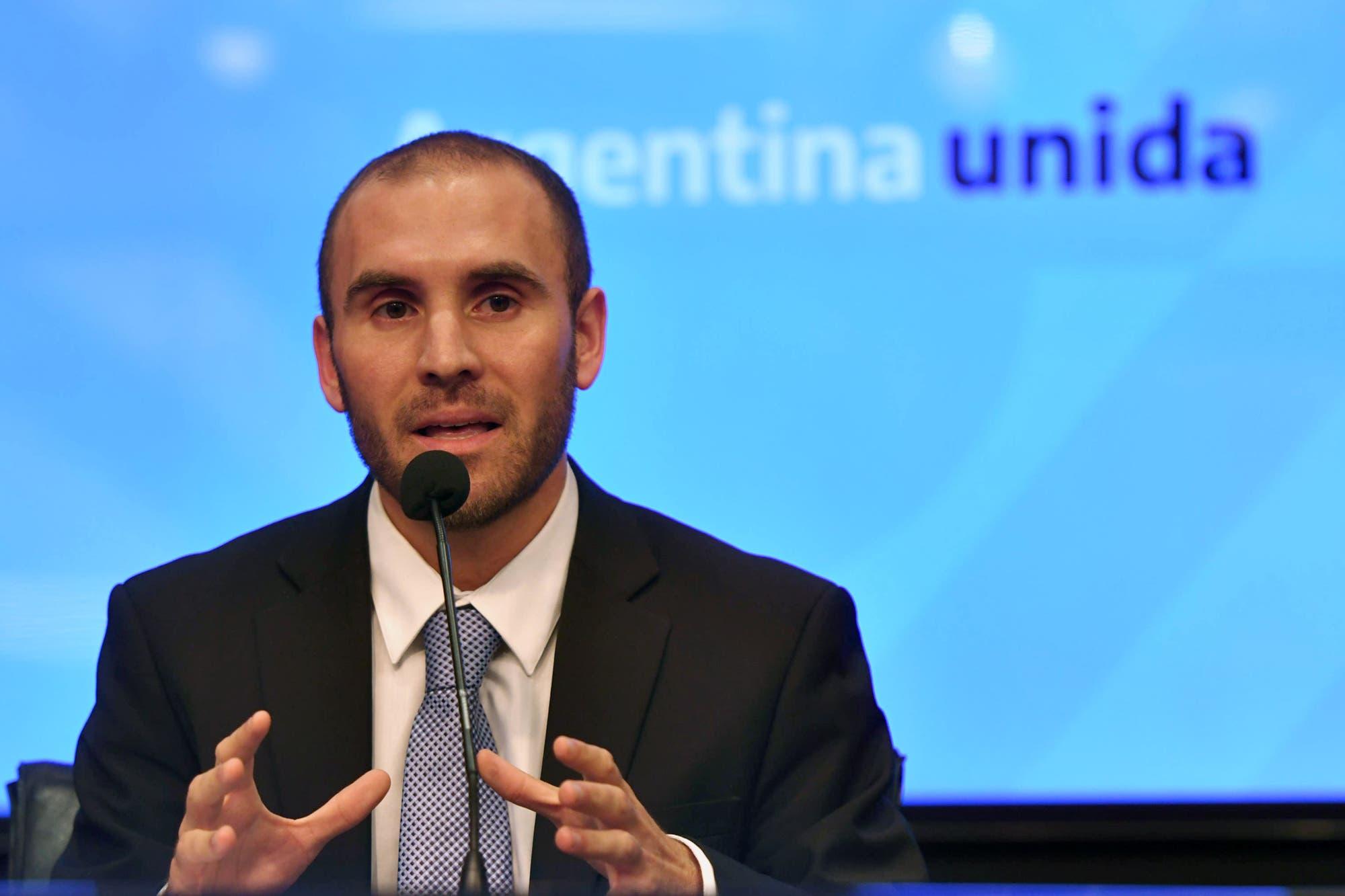 """Martín Guzmán dijo en su primera conferencia como ministro de Economía que """"este no es el momento"""" para levantar el cepo"""