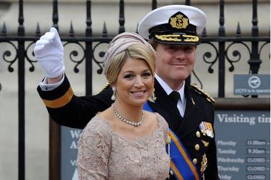 El rey Guillermo pilotea aviones de la empresa KLM y Máxima, su esposa, es asesora del secretario general de Naciones Unidas para Desarrollo y Financiación Inclusiva.